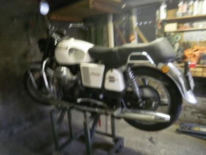 Moto Guzzi moto-guzzi v7 spec ambassador