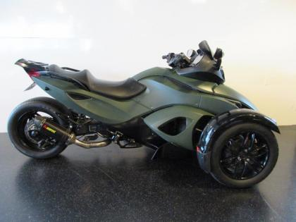Bombardier CAN-AM SPYDER SE5 CAN AM AKRAPOVIC