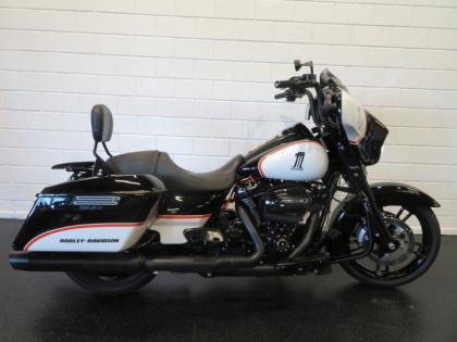 Harley-Davidson FLHXS STREET GLIDE SPECIAL 107